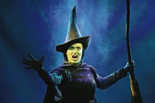 Idina Menzel Says She's Too Old To Reprise Elphaba In A Wicked Movie | Idina Menzel