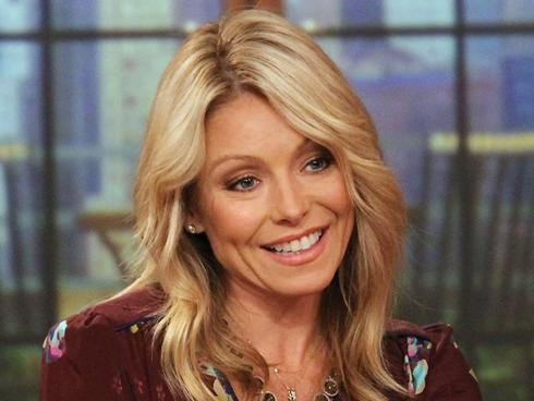 Kelly Ripa Is Back On Live! But Michael Strahan Is Leaving Early | Kelly Ripa