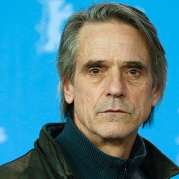 Jeremy Irons To Return As Alfred For 'Justice League' | Jeremy Irons