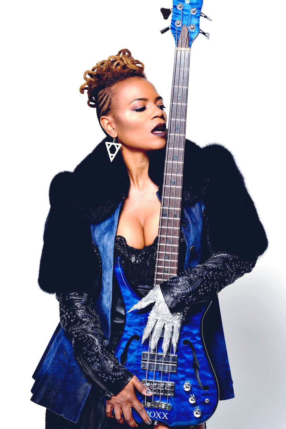 Beauty And The Bass, Divinity Roxx Offers Up Something Inspired | Roxx