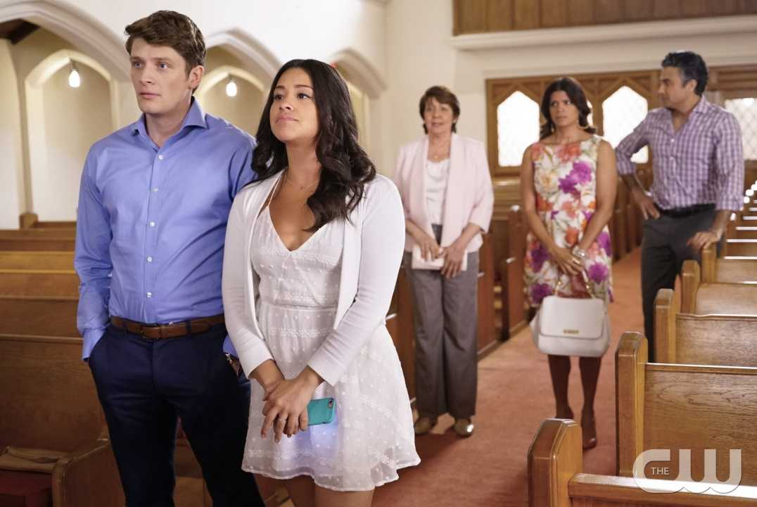 Jane The Virgin: 02x22, Chapter Forty-Four | Forty-Four