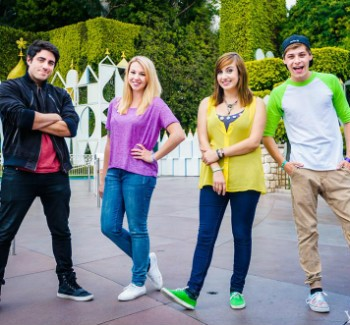 YouTube Group 'ThingamaVlogs' Announces 96-Hour DCOM Livestream Marathon For Charity | DCOM