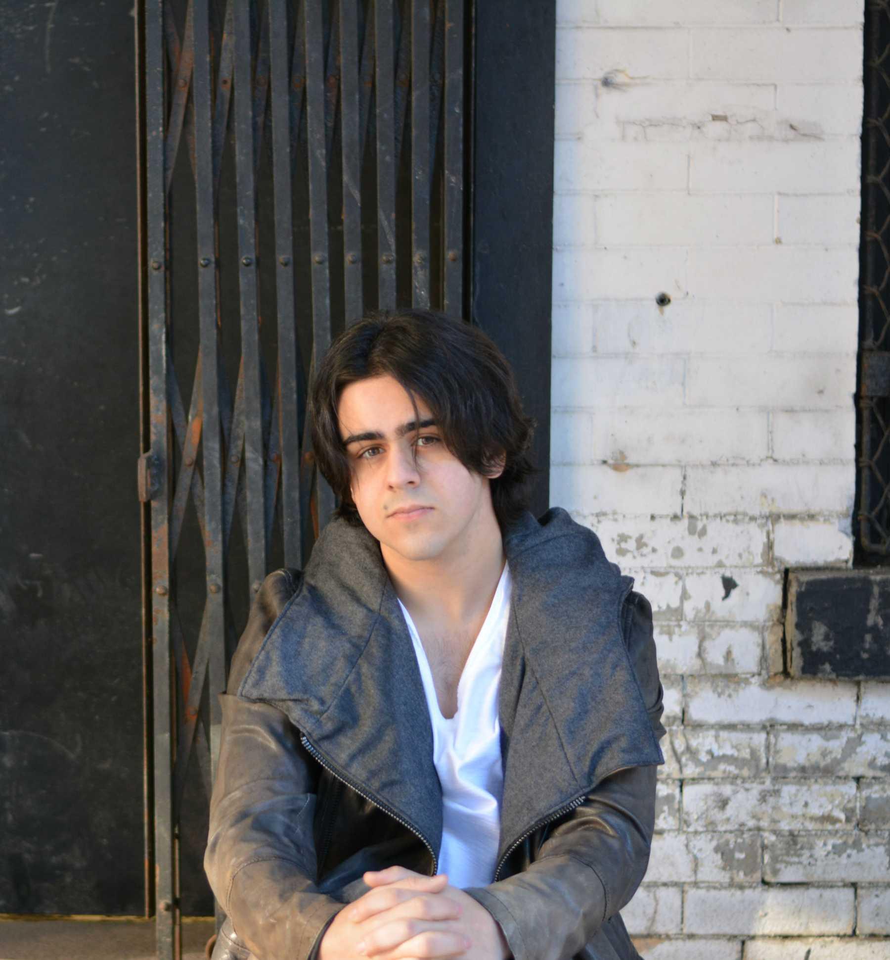 Exclusive: Matt Gumley Premieres Playful Video For Debut Single 'Subway Rider'   Matt Gumley