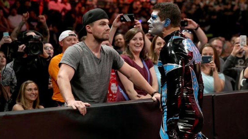 Stephen Amell Announces WWE's Cody Rhodes Will Be On Arrow | Stephen Amell