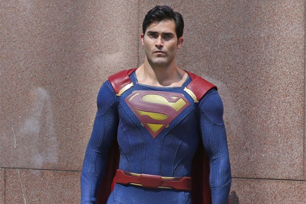 Man Of Steel! First Look At Tyler Hoechlin On Set As Superman | Tyler Hoechlin