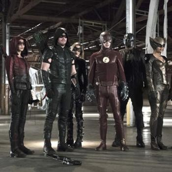 Stephen Amell Teases CW Superhero Crossover | crossover