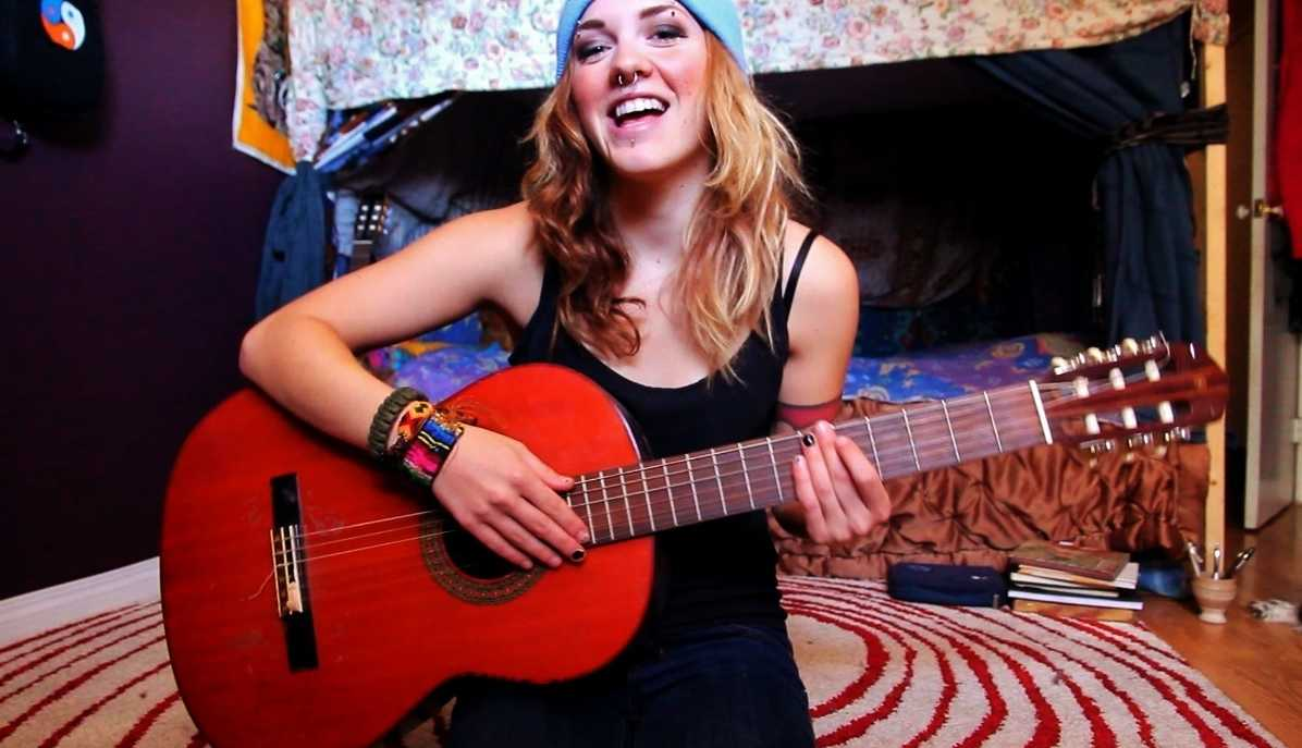 Laura Hickli Releases New Video 'Play Your Magic' | Laura Hickli
