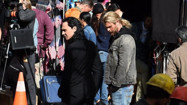 Chris Hemsworth And Tom Hiddleston Appear Together On Set For Thor: Ragnarok | Thor