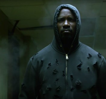 Luke Cage Is Bulletproof In New Netflix Clip | Luke Cage