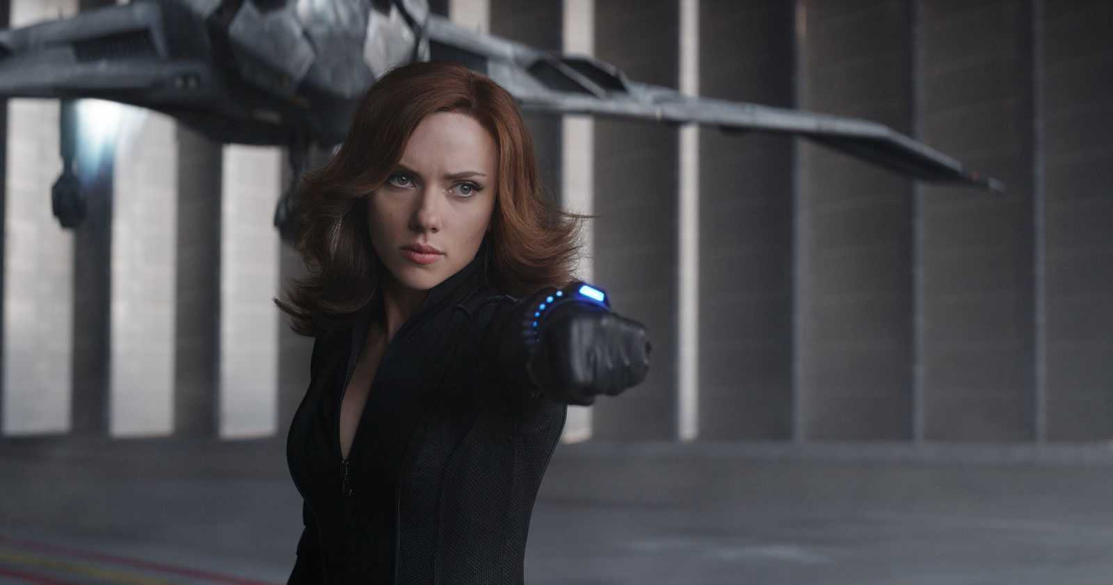 Captain America: Civil War Deleted Scene Shows Black Widow And Black Panther Face Off | Civil War