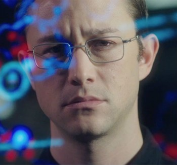 Loudinni Reviews: Oliver Stone's Snowden Is Less Gripping Than Reality | Snowden