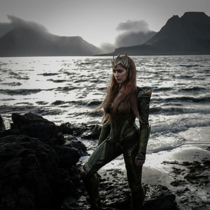 Justice League: Amber Heard Stuns In New Photo As Mera | Mera