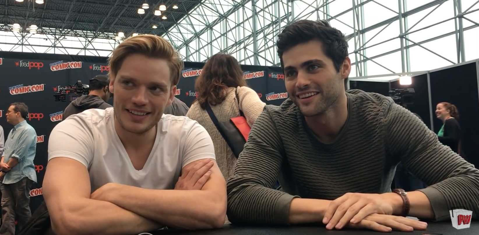 The Shadowhunters Cast Teases A Darker, More Intense Season 2 | Shadowhunters cast
