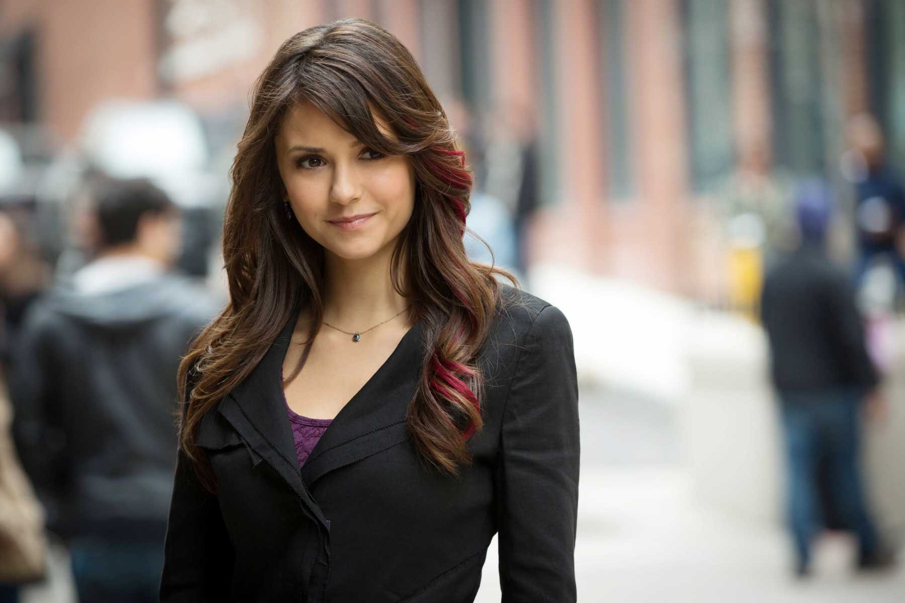 Julie Plec Teases Elena's Return To The Vampire Diaries | Elena