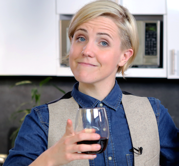 Hannah Hart Touches Hearts With 'Buffering' Book | Hannah Hart