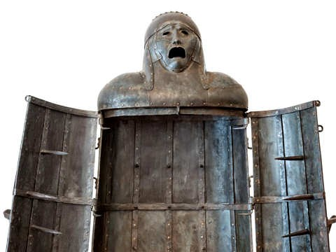 Pop 10 Ancient And Disturbing Forms Of Torture | Torture