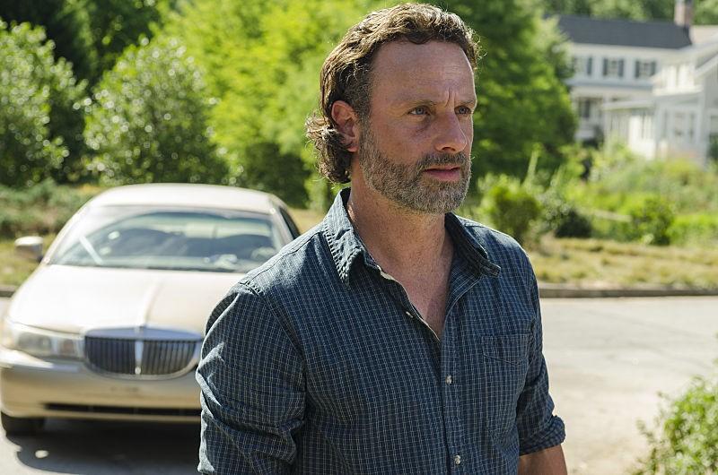 The Walking Dead: 07x04, Service | Service