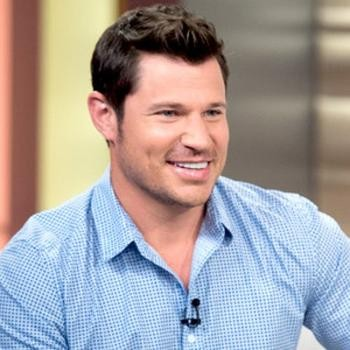 Donnie Wahlberg And Nick Lachey Return To Their Boy Band Roots | Wahlberg