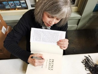 Anne Rice Plans TV Adaptation Of The Vampire Chronicles | Anne Rice