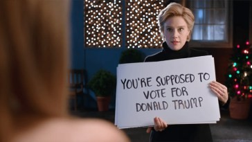 Kate McKinnon's Hillary Clinton Returns With Hilarious 'Love Actually' Spoof | Love Actually
