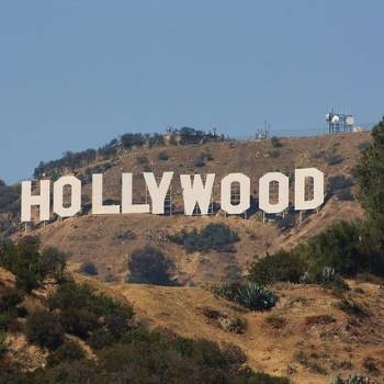 Iconic Hollywood Sign Altered In 2017's First Prank | Hollywood