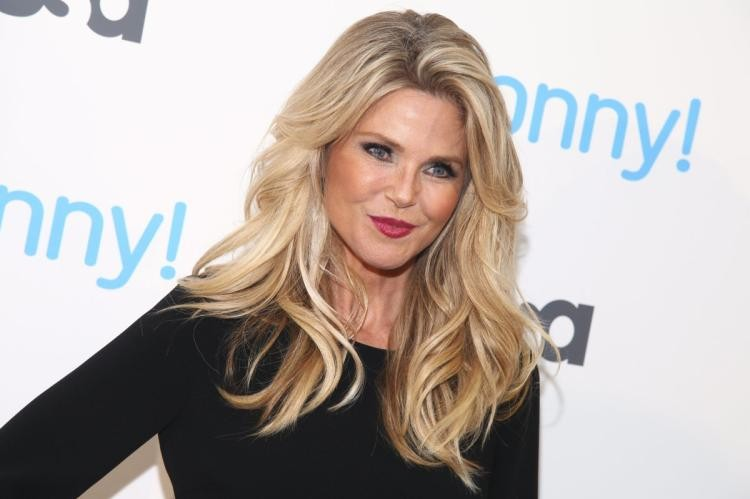 Christie Brinkley Returns To Sports Illustrated Cover With Daughters | Christie Brinkley