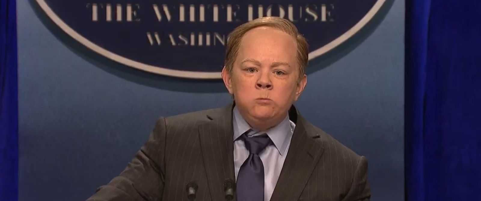 Sean Spicer Reacts To Melissa McCarthy's SNL Impression | Sean Spicer