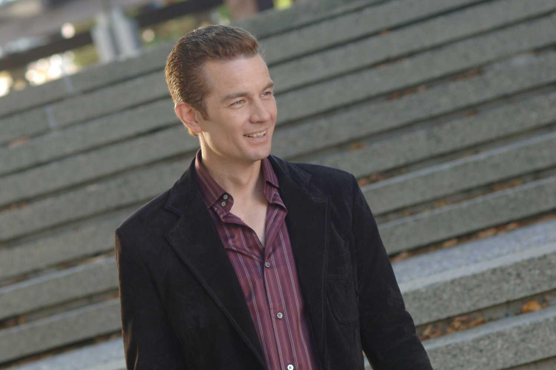 Hulu's Runaways Series Casts Its Pride | Runaways