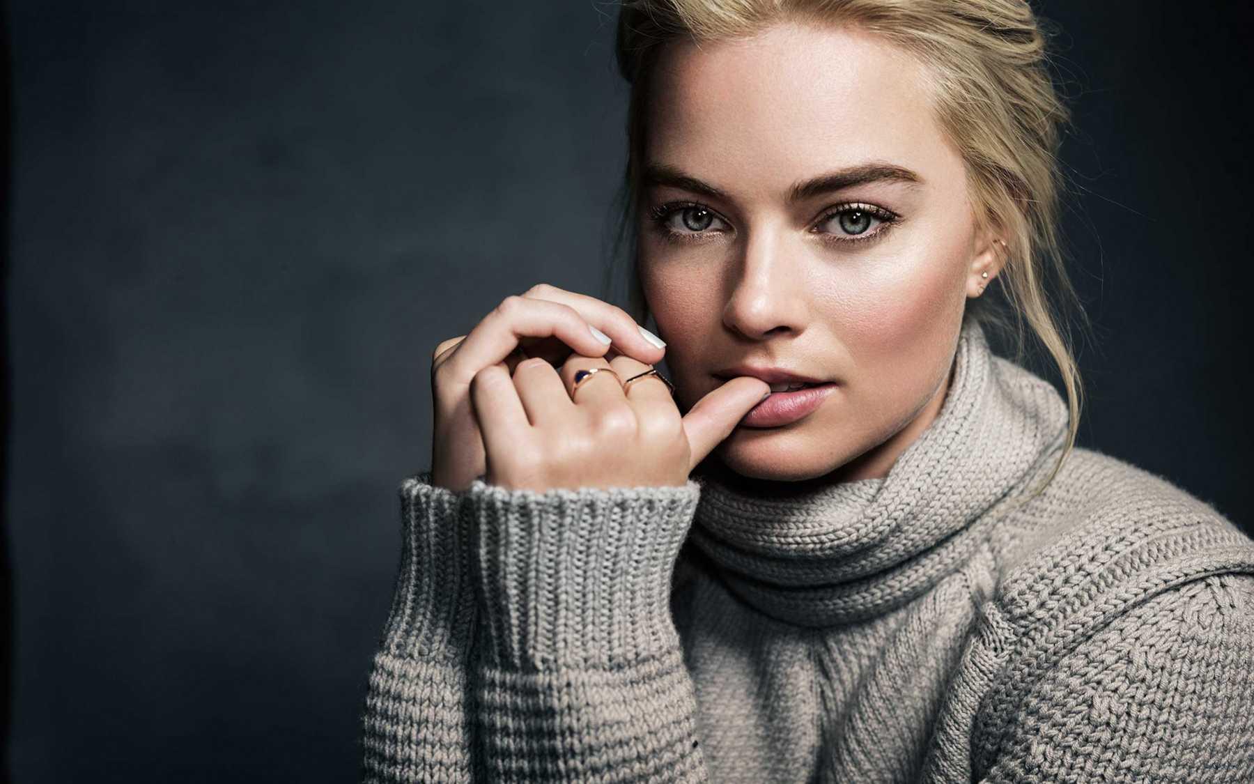 Margot Robbie To Star In Robin Hood Adaptation | Margot Robbie