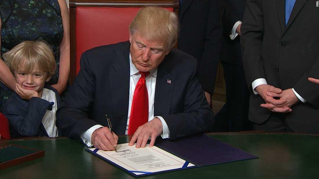 President Trump Signs Bills To Reverse Obama Regulations | President Trump