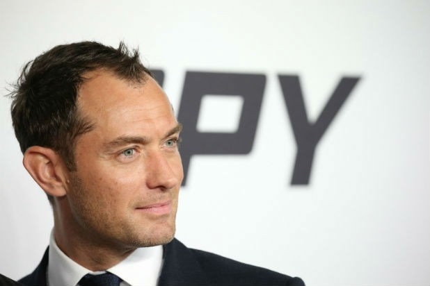 Jude Law Cast As Young Dumbledore | Dumbledore