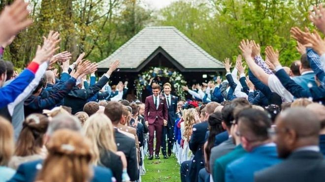 Tom Daley And Dustin Lance Black Tie The Knot | Tom Daley