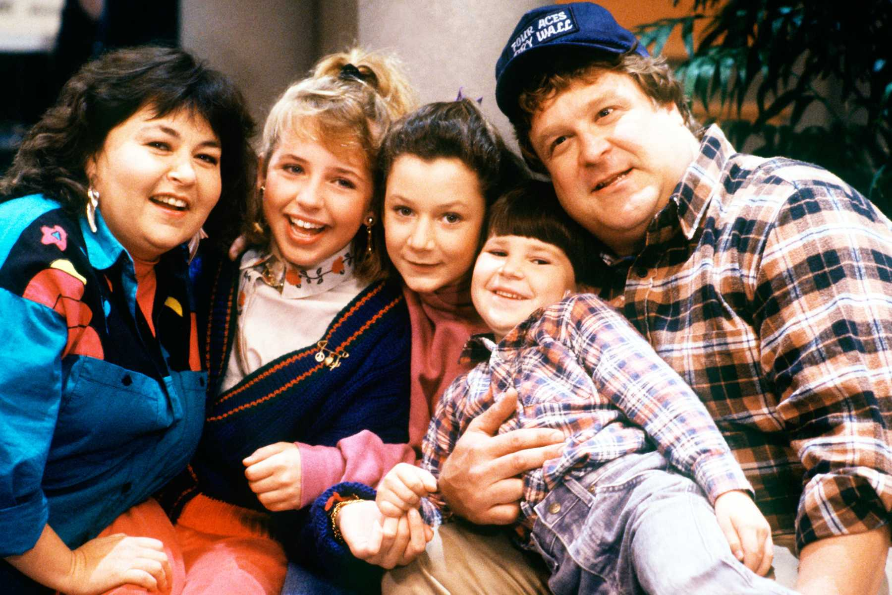 'Roseanne' Revival Officially Ordered By ABC | Roseanne