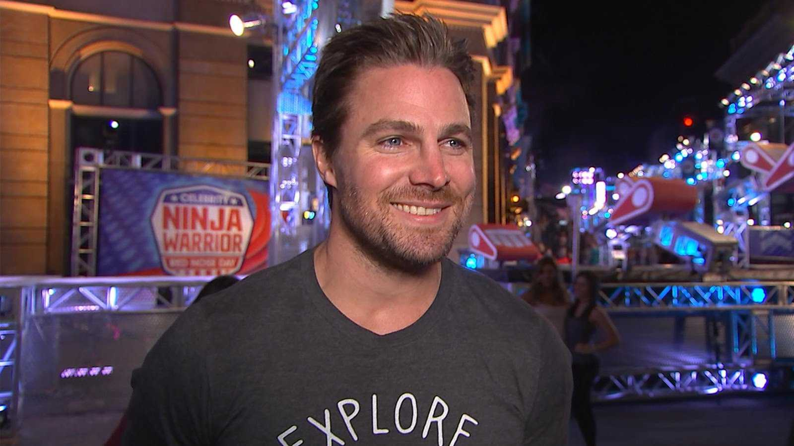 Watch Arrow Star Stephen Amell Dominate American Ninja Warrior Course	 | Stephen Amell
