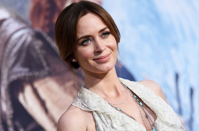 Emily Blunt Makes Her 'Mary Poppins' Debut | Emily Blunt