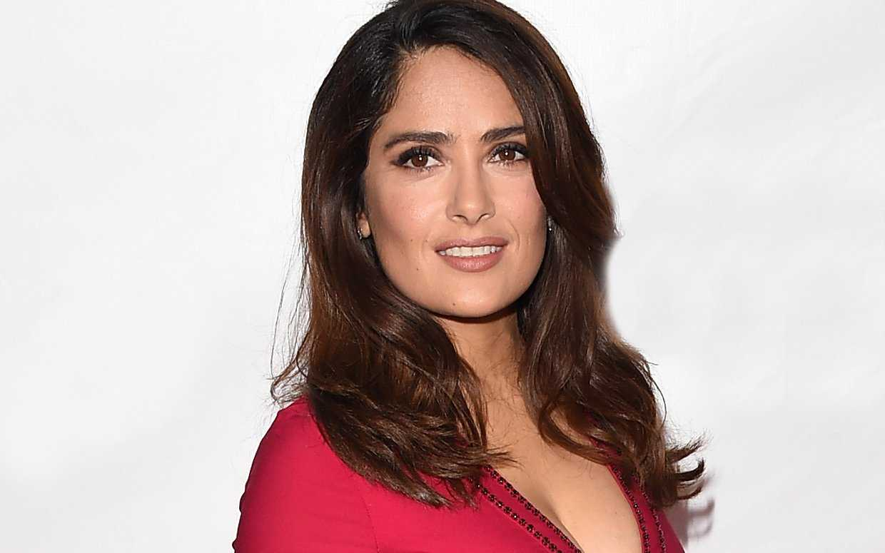 Salma Hayek Launching A Line Of Smoothies/Face Masks | Salma Hayek