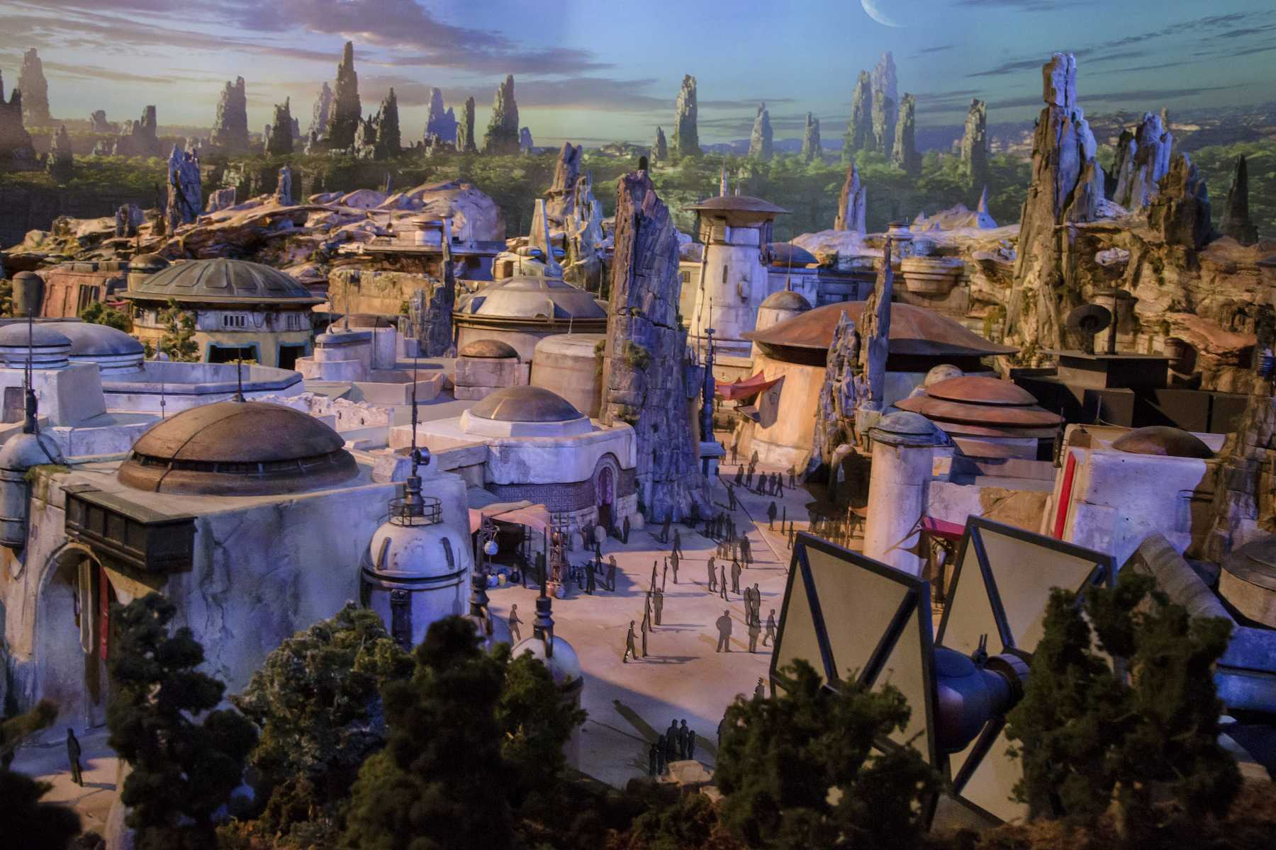 Detailed Model Of Star Wars-Themed Lands Revealed By Bob Chapek At D23 Expo | Star Wars