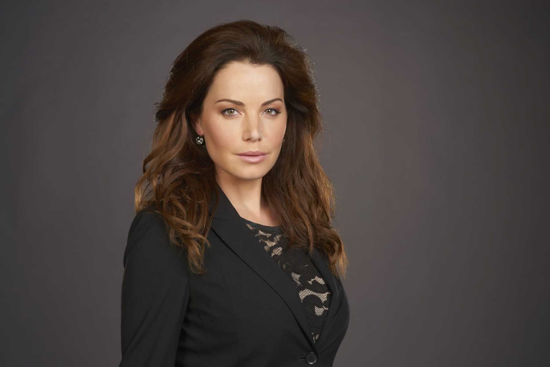 Erica Durance Joins Supergirl Cast  | Erica Durance