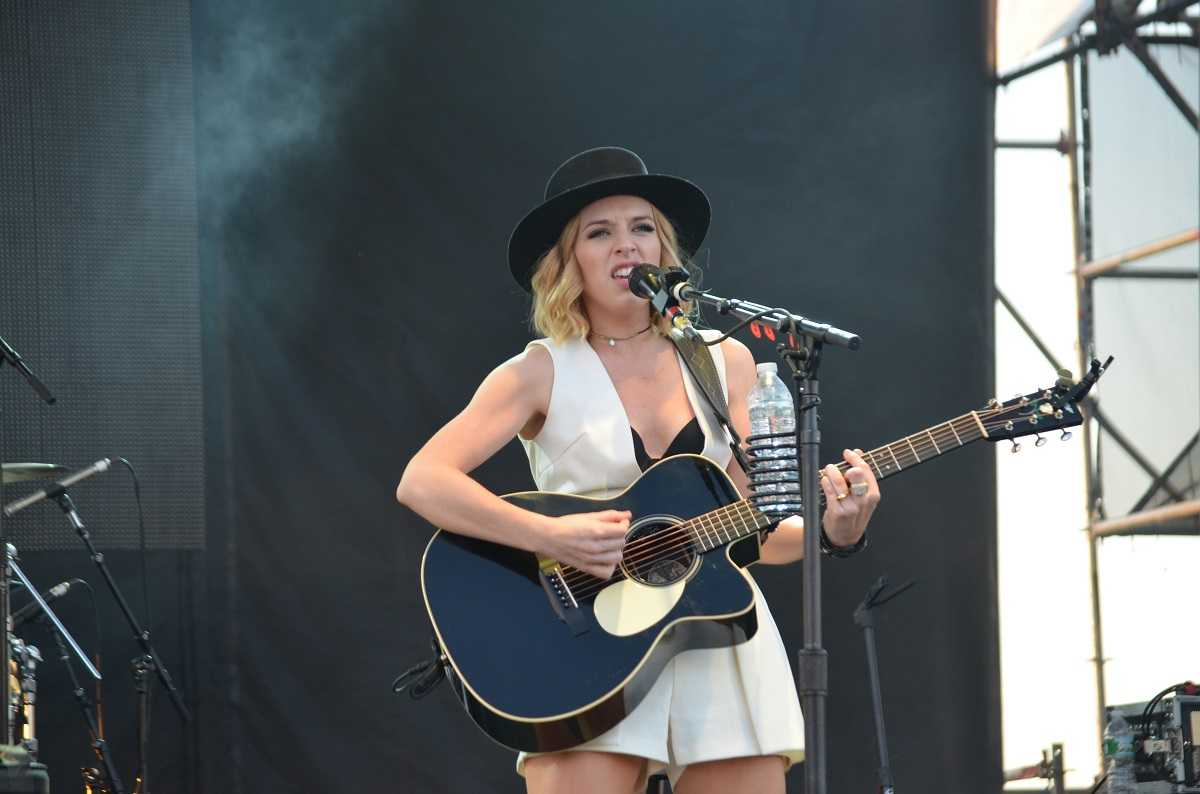 ZZ Ward Shines In Sophomore Album 'The Storm' | The Storm