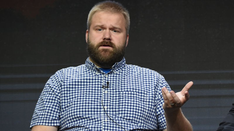 The Walking Dead's Robert Kirkman Leaving AMC | Robert Kirkman