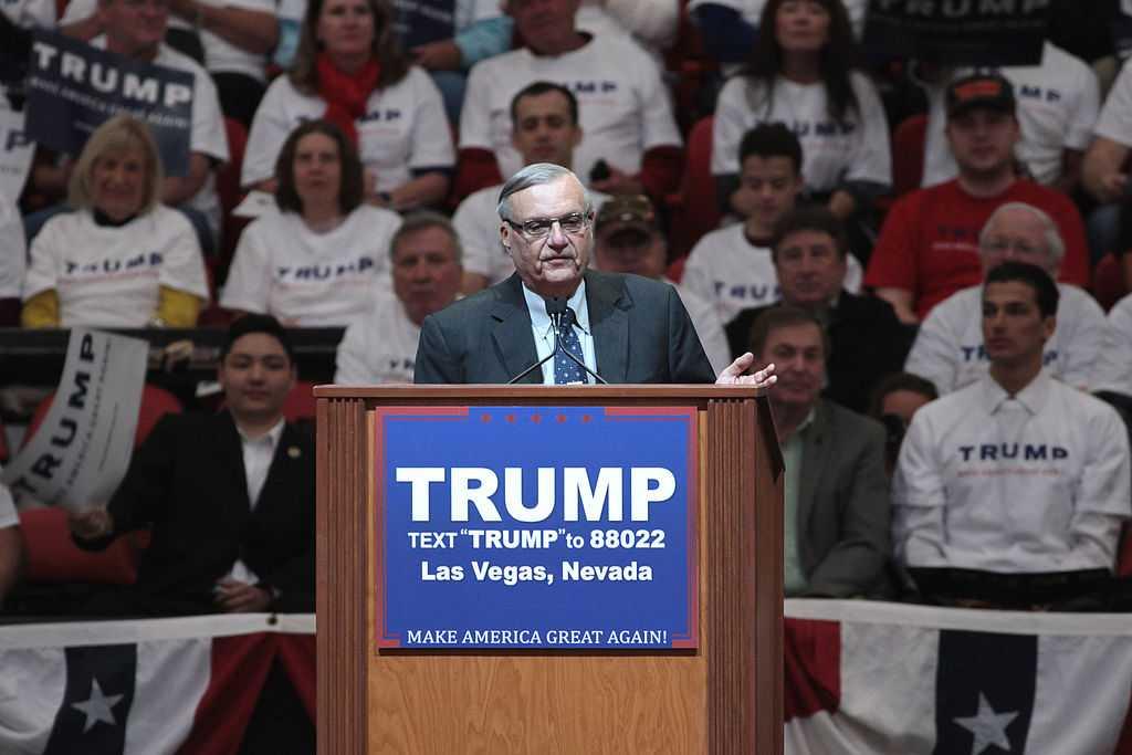 Celebrities And Politicians Condemns Trump's Pardon Of Joe Arpaio | Arpaio