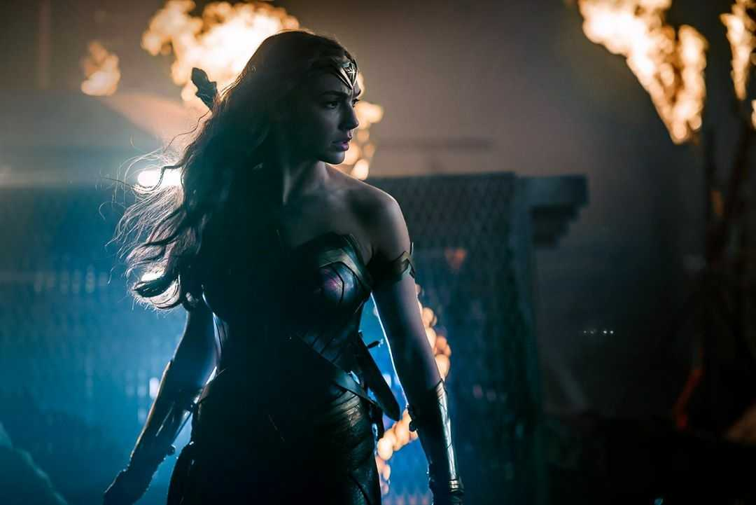 Wonder Woman Could Be Bisexual On Screen If Fan Petition Is Successful | Wonder Woman
