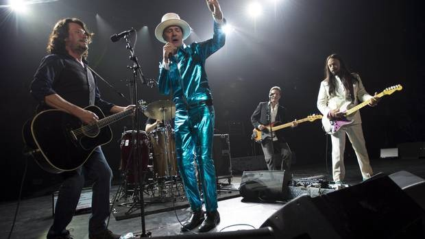 The Tragically Hip's Lead Singer Gord Downie Dies At 53 From Cancer | Gord Downie