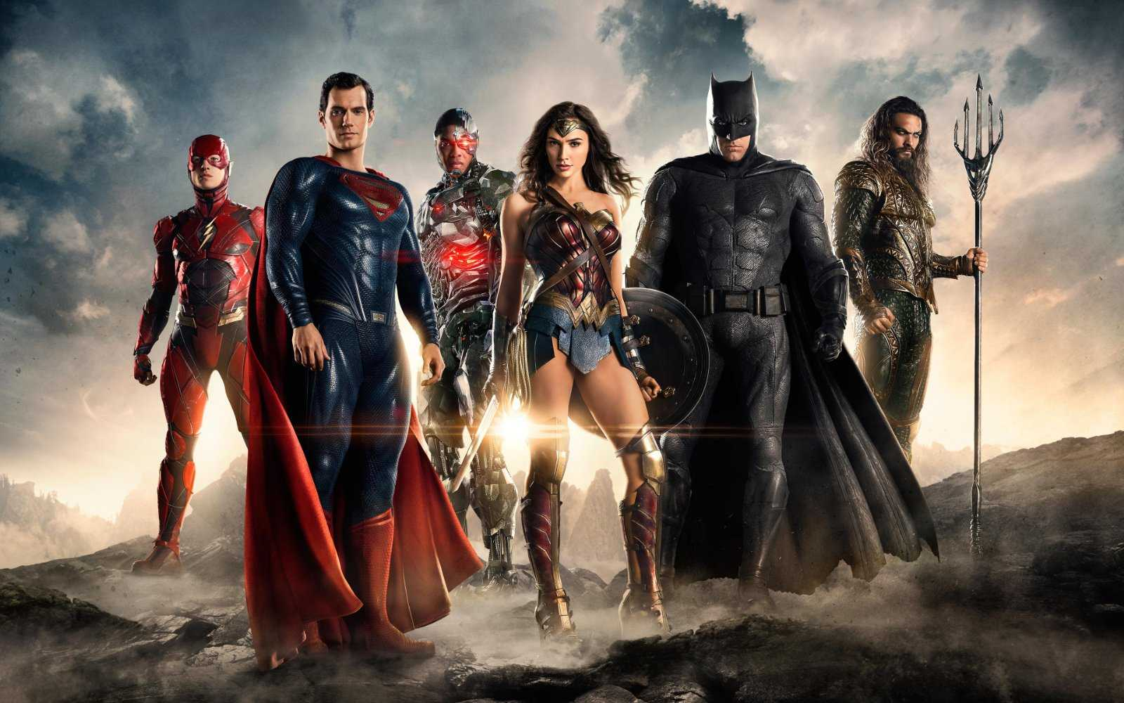 'Justice League' Review:  Superhero Team Up Tries But Fails To Soar | Justice League
