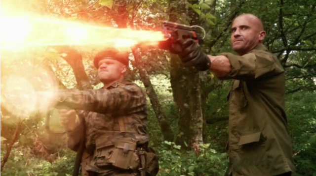 Mick Rory and his father in 3x07 of Legends Of Tomorrow
