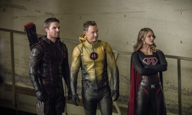 Evil Oliver, Thawn, and evil Kara in the Crisis On Earth-X Crossover