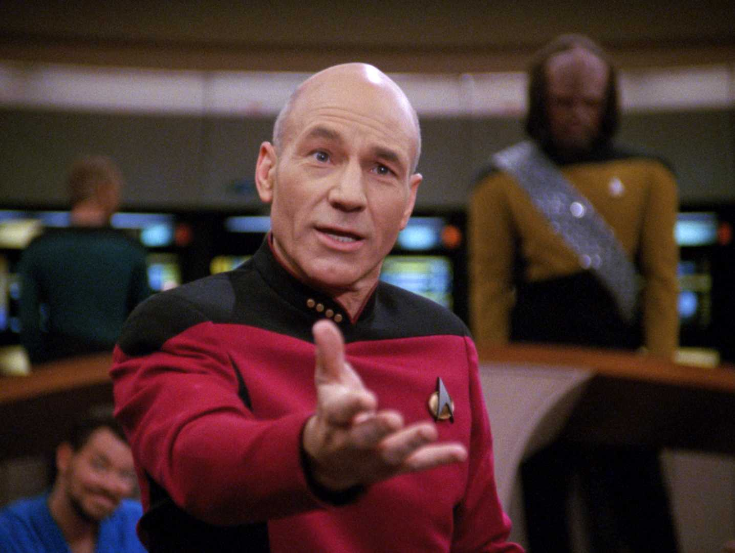 Patrick Stewart Talks Returning to Star Trek | Star Trek