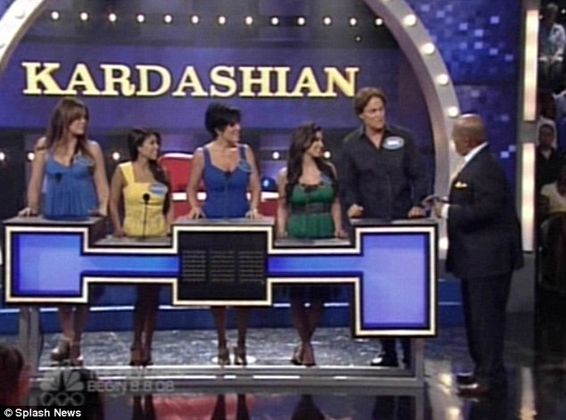 It 39 s a kardashian jenner west 39 family feud 39 celebrities for Living with the kardashians full episodes