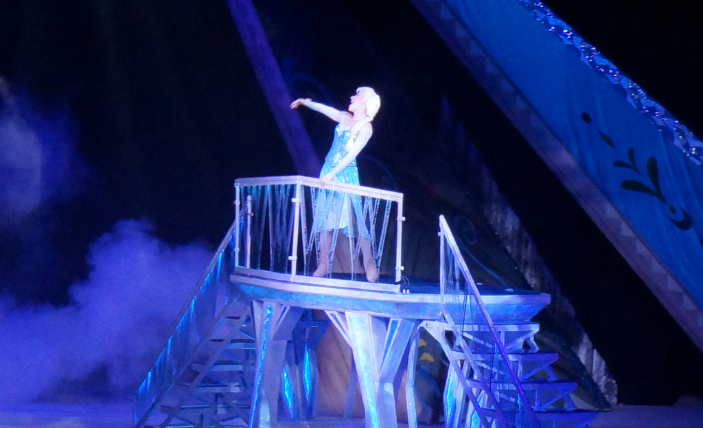 "Disney On Ice Presents Frozen - Queen Elsa singing ""Let It Go"""