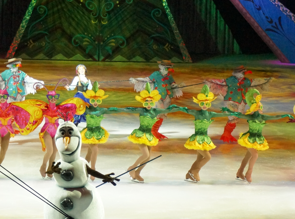 "Disney On Ice Presents Frozen - Olaf ""In Summer"""